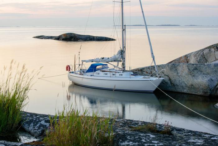 Fortøyd seilbåt for salg